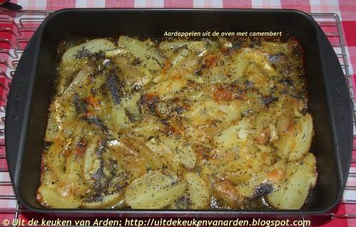 Aardappelen uit de oven met camembert, sinaasappel en maanzaad