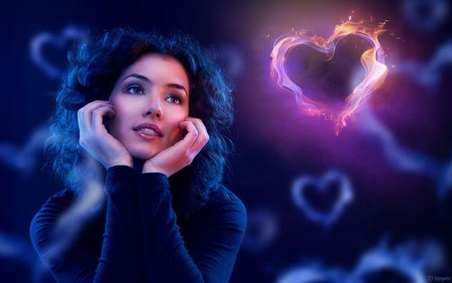 Resultado de imagem para woman in love