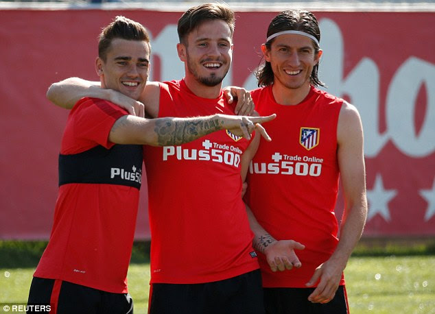 Niguez (centre, pictured with Antoine Griezmann and Filipe Luis) is gearing up for the Champions League final