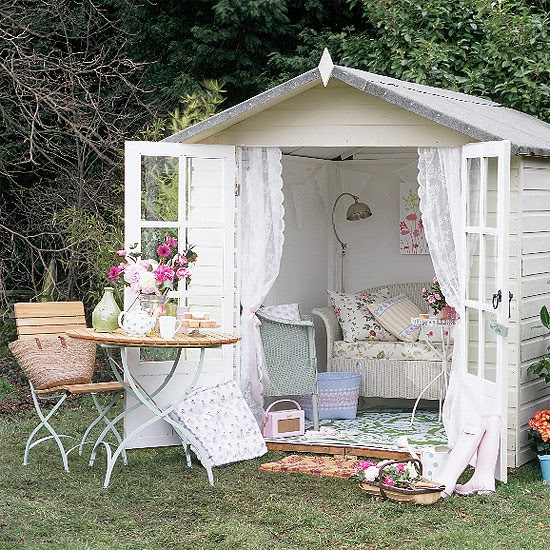 Summerhouse chic | Shabby-chic style - 10 decorating ideas ...
