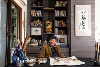 陳陽春一生堅持水彩畫,在世界各地辦展,誓言以藝弘道,帶著台灣水彩畫走向國際。(莊坤儒攝)