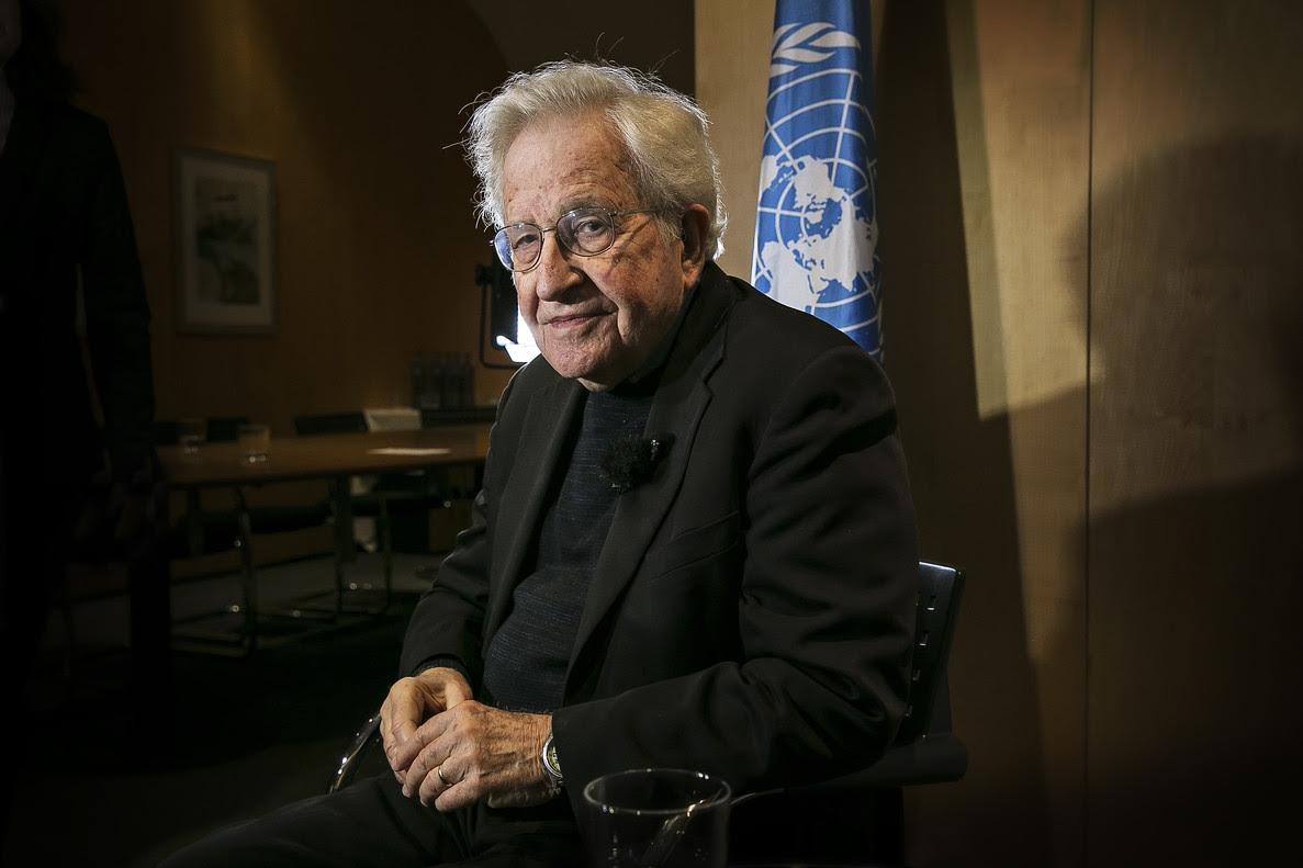 """Resultado de imagen para Chomsky:  """"Incluso si no gana, Trump será muy peligroso"""""""