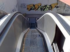 Scale mobili non funzionanti al CDN di Napoli
