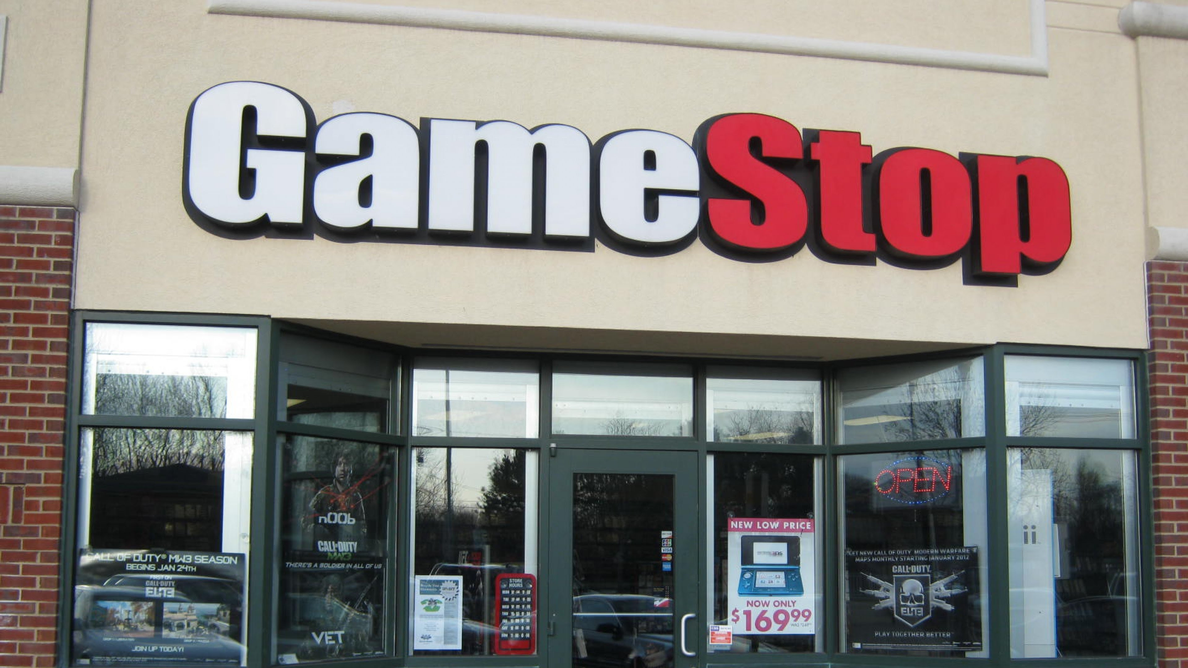 For the first time in years, GameStop will open its doors on Thanksgiving screenshot