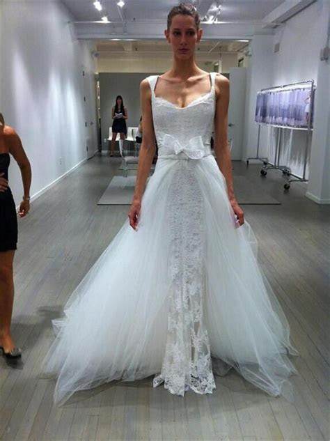 Charming 2015 Lace Wedding Dresses Appliuque Sheer Tulle