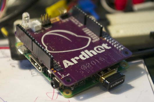 ARDHAT adds Arduino Shield Compatibility, an ISM Band Radio to Raspberry Pi and ODROID-C1 Boards (Crowdfunding)