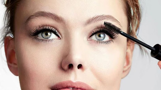 15 Mascaras that Makeup Artists Swear By