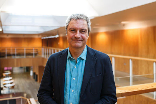 Former BBC presenter Gavin Esler fighting the good fight against fake news