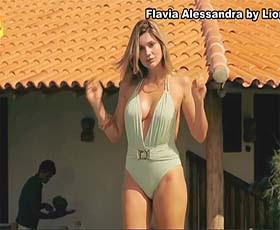 Flavia Alessandra super sensual no filme Nada Vai dar certo