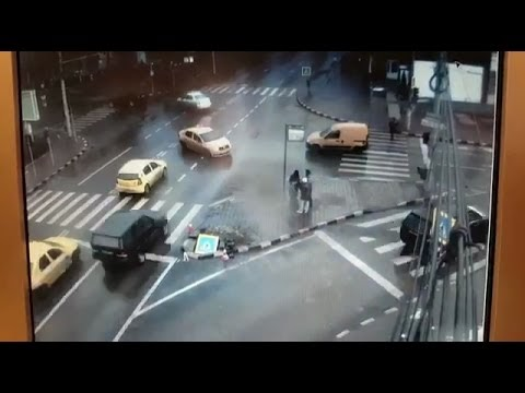 VIDEO EXCLUSIV Accidentul de la Nordic. Imagini de pe camera de supraveghere