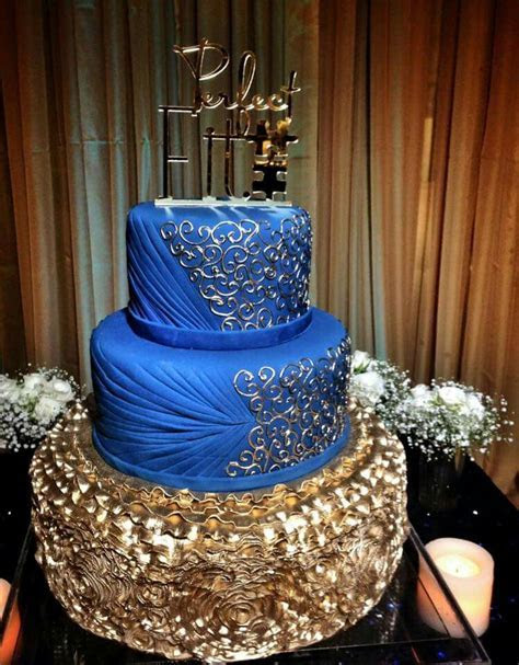Royal blue and gold cake   Bizcochos    Pinterest   Gold