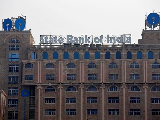 SBI, HDFC Bank don't want sensitive data made public