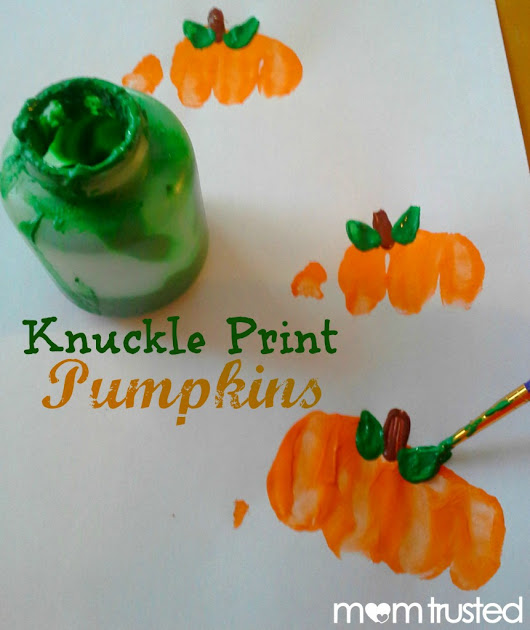 Preschool Pumpkin Project: making pumpkin prints with your knuckles