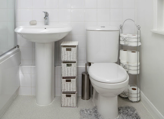 8 Tips for Remodeling a Tiny Bathroom