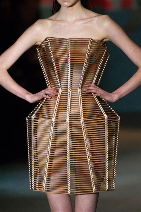 Serkan Cura at Couture Spring 2015   Sculptural fashion