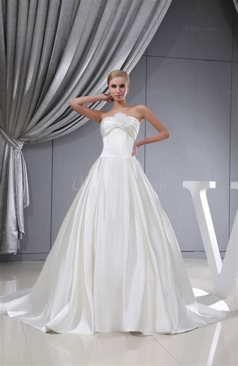 Gorgeous Hall A line Strapless Lace up Satin Cathedral