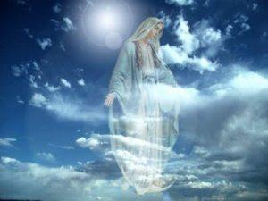 madre maria en cielo azul con las manos abiertas5 300x225 Madre Divina – Vivan Como un Ser Divino, Están en Una Bella Etapa de Transformación