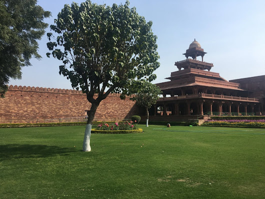 Fatehpur Sikri History and places to visit in Fatehpur Sikri