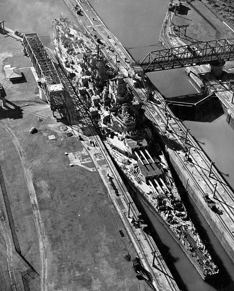 File:Missouri panama canal.jpg