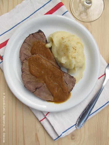 Brasato al vino rosso e purè di patate