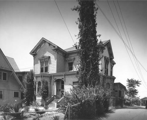 1620 Pleasant Avenue Residence
