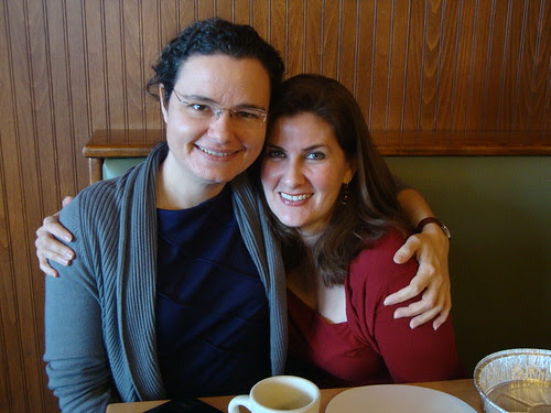 Austin:  me (blossomkyle) + Leslie (Leslie in Austin) at breakfast Friday morning