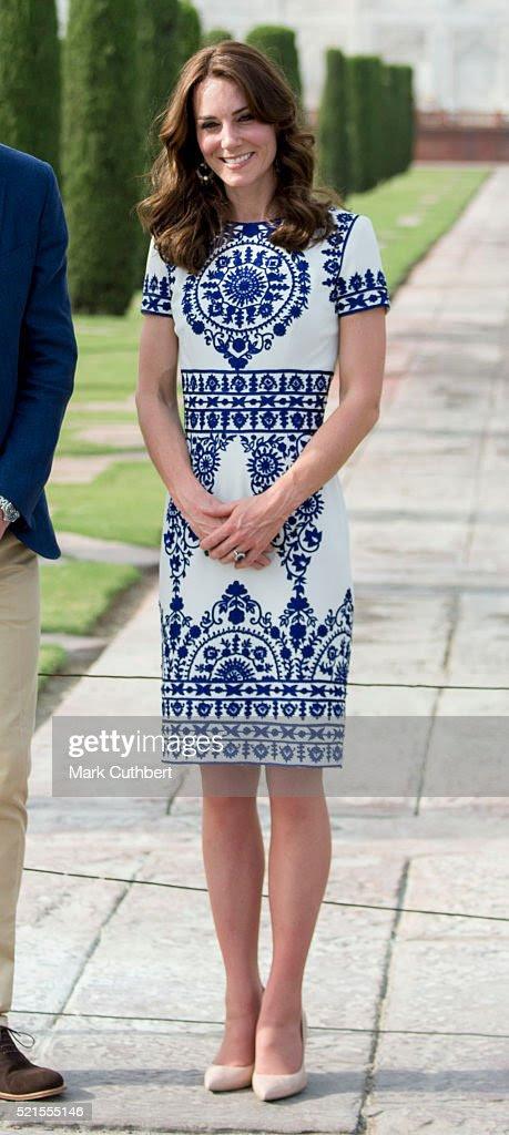 Katarzyna, księżna Cambridge odwiedza Taj Mahal w dniu 16 kwietnia 2016 roku w Agrze, w Indiach.