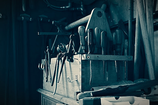 What Every Homeowner's Toolbox Should Contain - YourAmazingPlaces.com