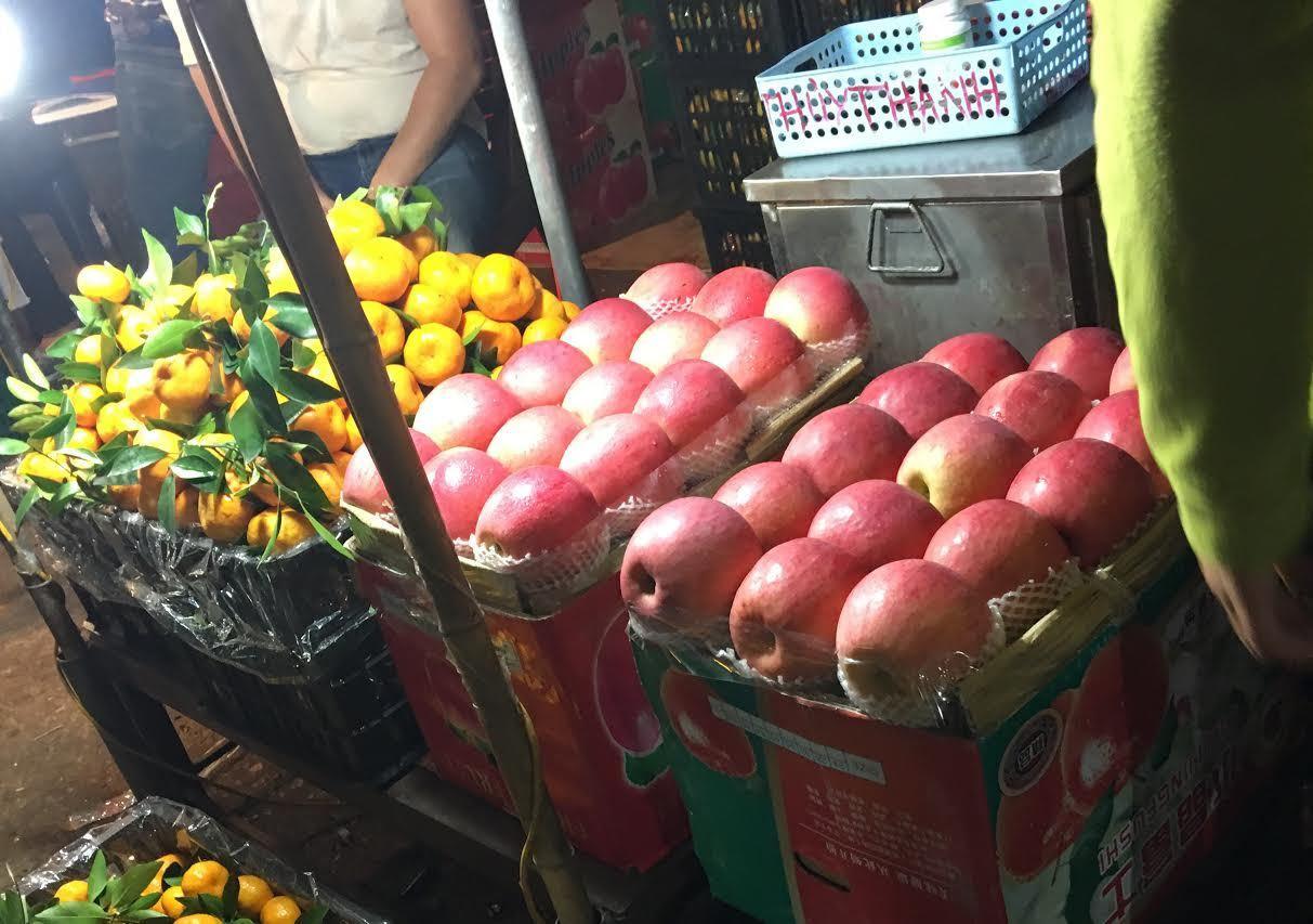 táo trung quốc, táo đỏ bọc túi độc, táo trung quốc bọc túi đọc, hoa quả trung quốc, táo tàu