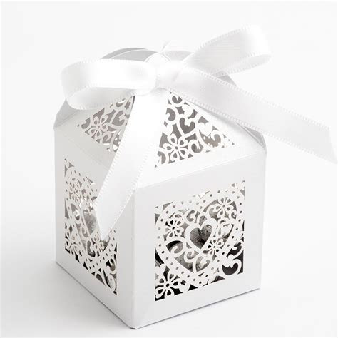 White Filigree Heart Favour Boxes at Favour This