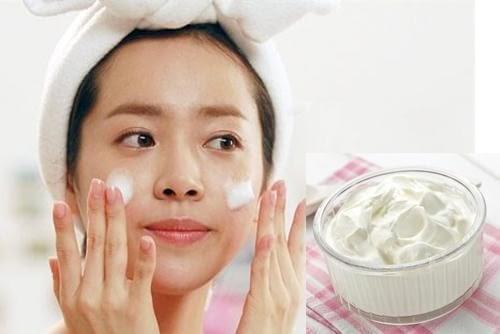 2 cách rửa mặt bằng sữa chua đơn giản giúp da trắng sáng mịn màng
