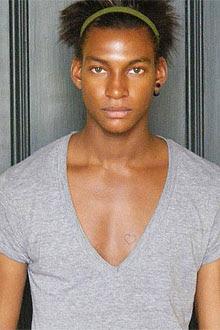 Nigeriano Ty já trabalhou para Dior, Versace, Belstaff, Costume National e Hermes