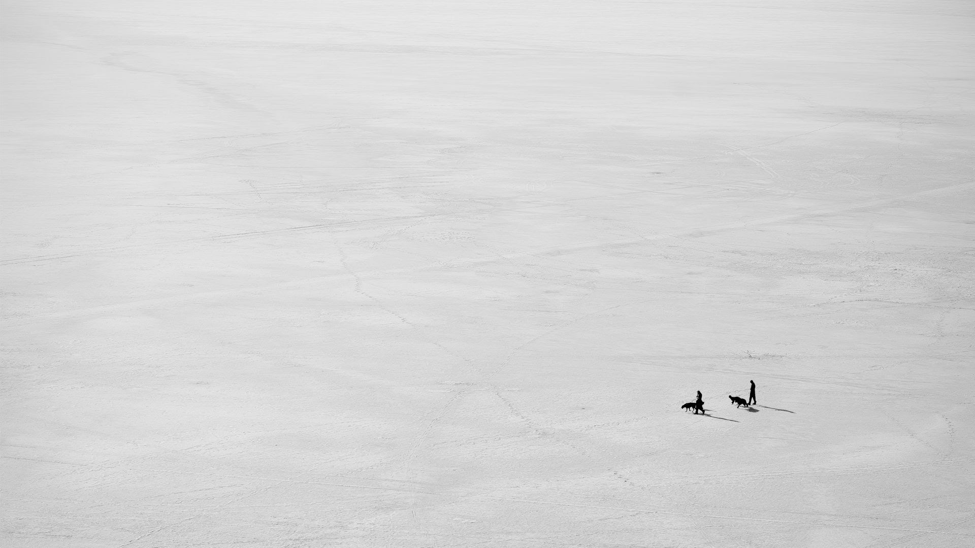 A lot of great minimalistic photography here recently. I ...