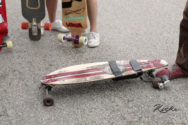 Young Valpo entrepreneur develops ecofriendly skateboard motor  Surf Blog  Surfing New  Surf