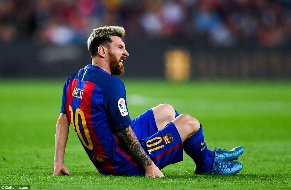 Star man Lionel Messi hobbled off injured for Barcelona to hand Luis Enrique's side a blow during a tight second half