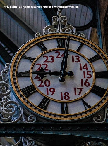 kings-cross-clock