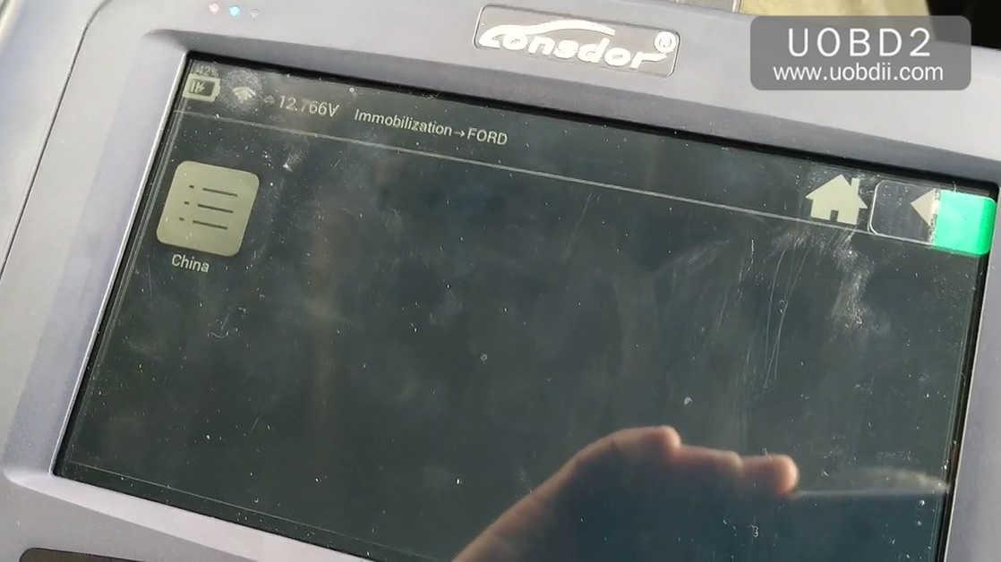 lonsdor-k518ise-key-programming-on-a-ford-focus-13
