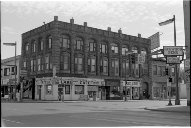 http://stuffaboutminneapolis.tumblr.com/post/140330106639/commercial-building-lake-street-at-lyndale