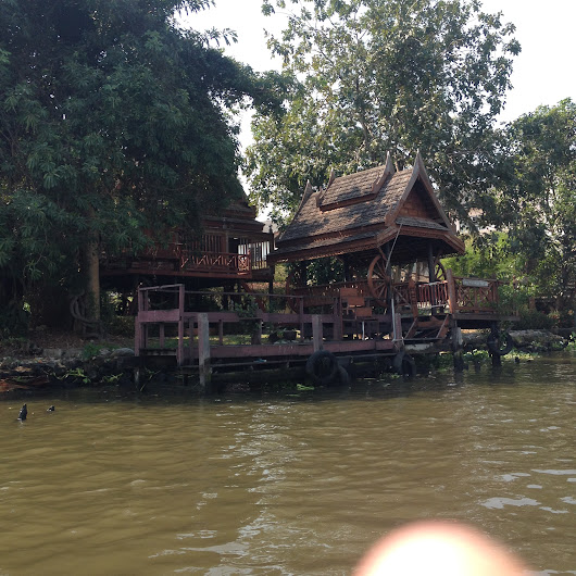 Bangkok Must-Do: Chao Phraya River Tour