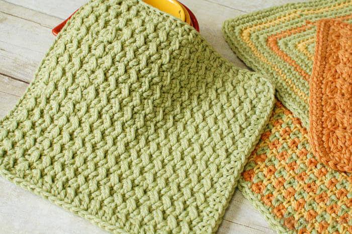 http://www.petalstopicots.com/2013/07/crunchy-stitch-crochet-dishcloth-pattern/