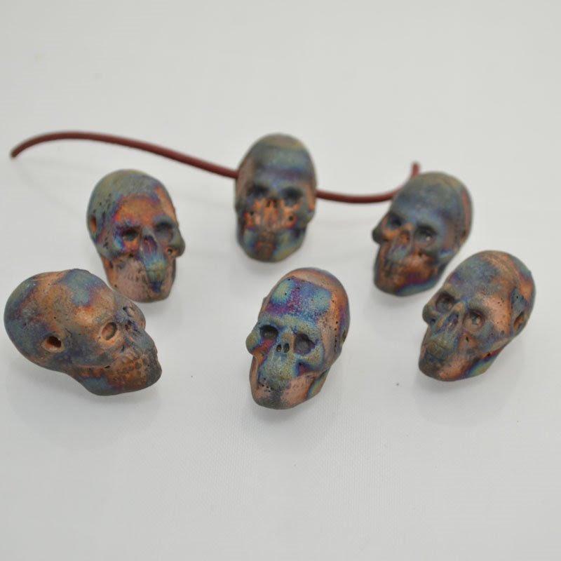 s43965 Ceramic Pendant -  Heads up Skull - Matte Raku (1)