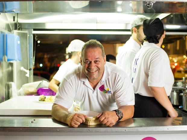 Rolando Vanucci começou a vender massa em uma Kombi por conta da necessidade financeira (Foto: Divulgação)