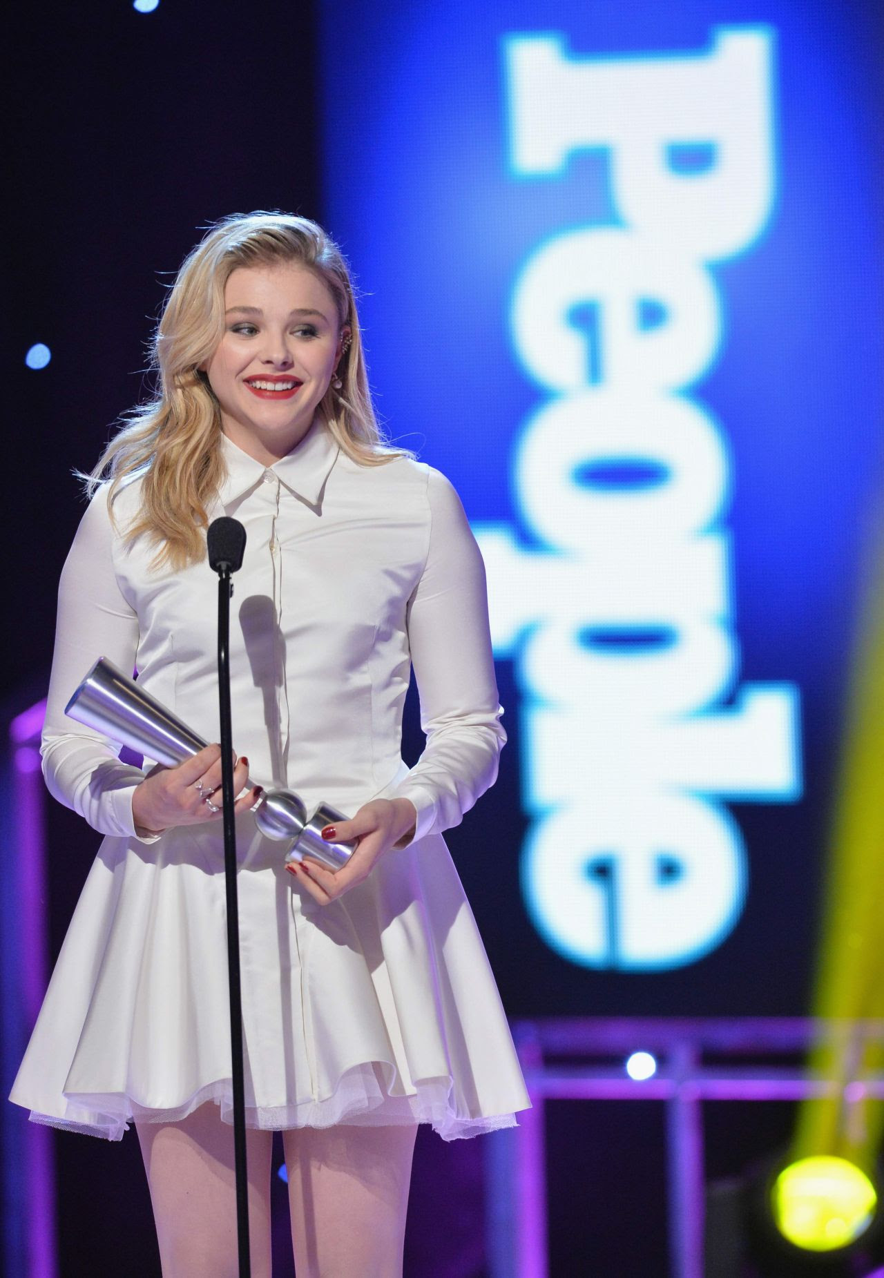 http://celebmafia.com/wp-content/uploads/2014/12/chloe-moretz-2014-people-magazine-awards-in-beverly-hills_14.jpg