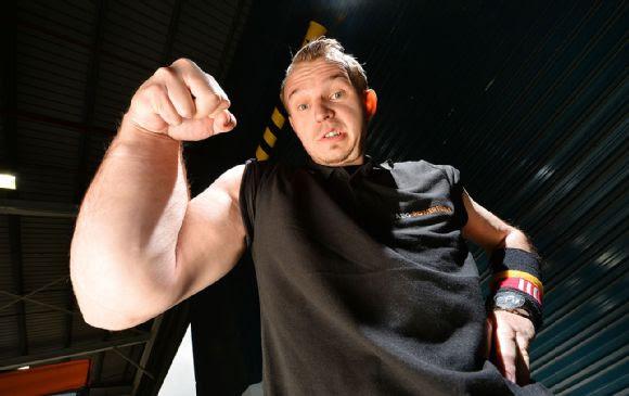 Matthias Schlitte: Arm Wrestler