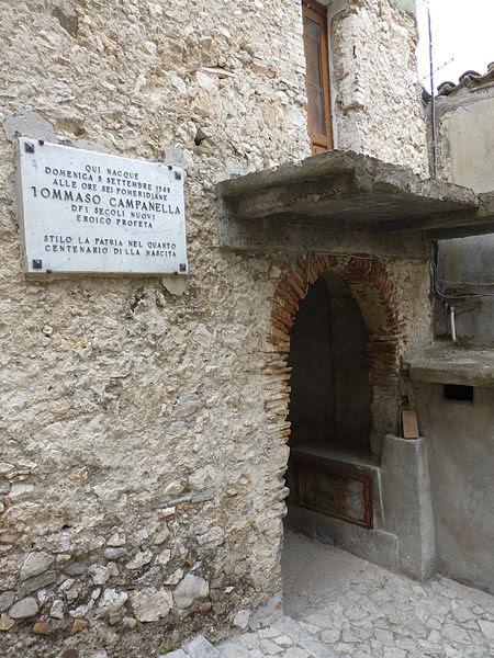 File:Casa di Tommaso Campanella a Stilo.JPG