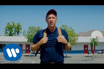 Coldplay ~ Champion of the World  | Terjemahan, Arti & Makna Lirik Lagu