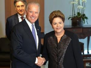 Dilma Rousseff e o vice-presidente dos Estados Unidos, Joe Biden, durante visita ao Brasil, em maio (Foto: Wilson Dias/ABr)