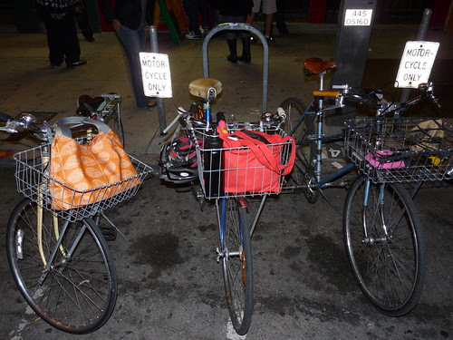 Mixte Parking Only