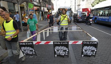 Protesta ecologista en Madrid en el Día sin Coches.   Kote Rodrigo