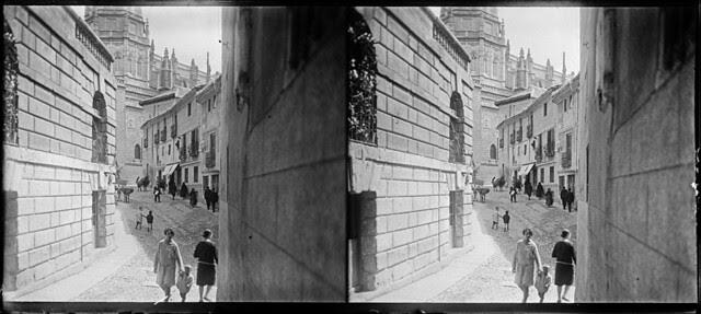 Calle de la Ciudad en junio de 1927. Fotografía de Albert Oliveras i Folch. © Arxiu Fotogràfic de Catalunya. Centre Excursionista de Catalunya